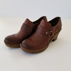 Born brown leather clog sz 9 1/2